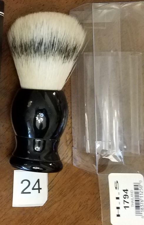 selling brushes HIS 1794 14March19.jpg